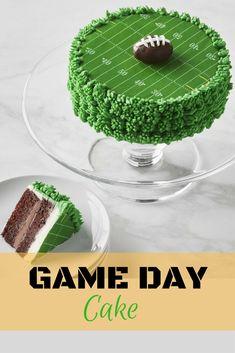 Football Cake #gameday #football #cake #superbowl #affiliate Football Birthday, Football Food, Baking Tips, Baking Hacks, Clean Recipes, Eat Cake, Super Bowl, Cake Decorating, Birthday Parties