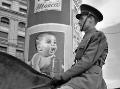 Francesc Català Roca :: Policeman and Baby Powder Ad Classic Photography, Vintage Photography, Street Photography, Foto Madrid, Madrid Barcelona, Roca Barcelona, Old Pictures, Old Photos, Vintage Photos