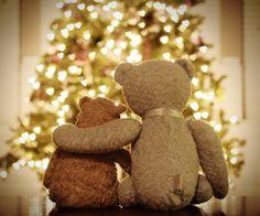 Christmas time :) Instead of teddy bears, use Darth and Yoda. Decoration Christmas, Noel Christmas, Little Christmas, Country Christmas, Christmas Colors, Christmas Wishes, All Things Christmas, Christmas And New Year, Winter Christmas