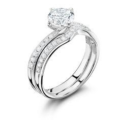 What do you think about that ring? :) #wedding #weddingrings #engagement #ido #engaged #engagementrings #engagementring #bride #weddinginspiration #jewellery #gold #silver #luxury #tagsforlikes #tagsforlike #t4l #tags4like #follow #followme #likeme #likeback #vsco