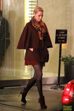 #BlakeLively : Printed scarf with maroon coat. Keep warm during this holiday season with a maroon jacket! Shop #DMLooks at DivaMall.tv