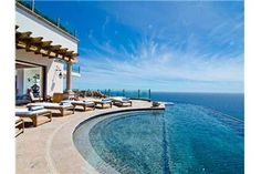 I really want to go to a Luxury Villa in Cabo, and want a Deal!