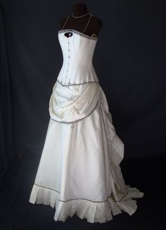 Steampunk wedding dress; with a different fabric, it becomes a bridesmaid dress . . .