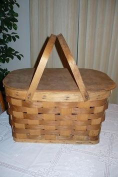 Picnic Baskets, Vintage Baskets, Bird Cages, Handle, Wood, Woodwind Instrument, Timber Wood, Bird Cage, Trees