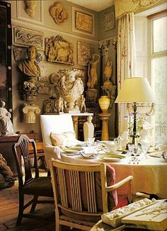 Art collector Peter Hone's display of his classic antiquity#interiordesign
