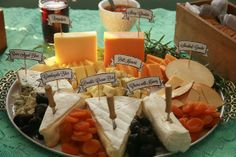 cheese and dried fruit! Ideally spread it out a little more. Wedding Appetizer Table, Appetizers Table, Wedding Appetizers, Wedding Reception Food, Wedding Catering, Fruit Display Wedding, Food Table Decorations, Cheese Platters, Party Platters