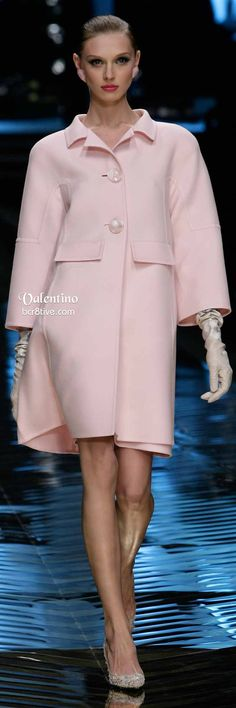 バレンチノベビーピンクドレスコート