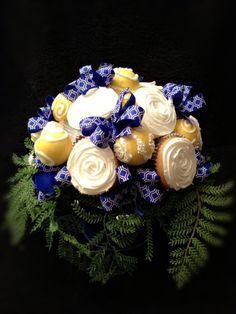 cakepop centerpiece bouquet