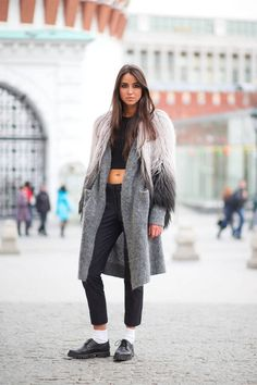 Moscow Street Style - Best Street Style Looks from Moscow Fashion Week - Harper's BAZAAR Harpers Bazaar Rock Chic, Fashion Business, Winter Stil, Winter Coat, Vogue, Russian Fashion, Black Girl Fashion, Street Style Looks, Moscow