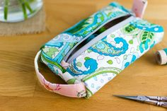 The Pillbox Pouch {free sewing pattern for a cute zipper pouch} — SewCanShe | Free Sewing Patterns for Beginners