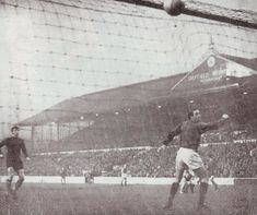 Sheffield Wed 1 Man City 1 in Nov 1967 at Hillsborough. Alan Oakes scores for City just after half time Hillsborough Stadium, Sheffield Wednesday Football, Sheffield United, Southampton, Warsaw, Manchester City, Louvre, Scores