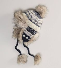 American Eagle Outfitters Men's & Women's Clothing, Shoes & Accessories winter hat Fall Hats, Winter Hats, Cozy Winter, American Eagle Outfitters, Trapper Hats, Ski Hats, American Eagle Men, Mens Outfitters, Winter Wear