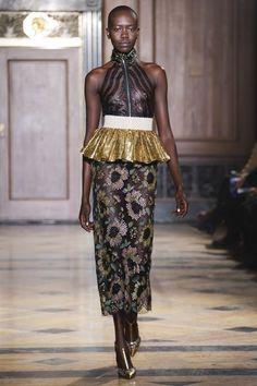 Sophie Theallet Fall 2016 Ready-to-Wear Fashion Show Collection Fashion Show Collection, Couture Collection, Fall Fashion 2016, Autumn Fashion, High Fashion, Fashion Beauty, Women's Fashion, Sophie Theallet, Grown Women