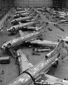 Black and white image of Boeing 727 production - Boeing 727 - Wikipedia