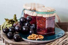Trauben-Feigenmarmelade. Schmeckt am besten mit frischen Früchten aus dem Garten von Monambelles #griechisch #foodblog #einkochen