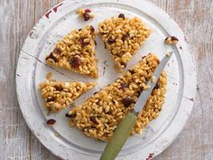 These delicious cranberry and white chocolate krispie slices are a quick and easy treat to make.