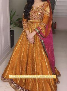 Pakistani Mehndi Dress, Pakistani Formal Dresses, Pakistani Bridal Wear, Mehendi, Shadi Dresses, Bride Dresses, Frock For Women, Mehndi Brides, Party Wear Dresses