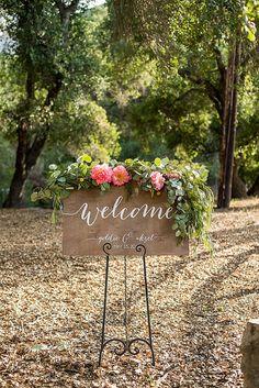 Plaque de bienvenue  signes de mariage  mariage par PaperandPineCo