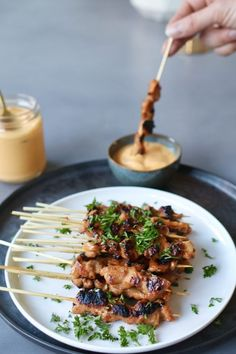 Marinated chicken skewers with mango dip, Healthy barbecue recipes, Healthy barbe . Bbq Skewers, Chicken Skewers, Marinated Chicken, Healthy Food Blogs, Healthy Eating Tips, Healthy Snacks, Healthy Recipes, Easy Snacks, Barbecue Recipes