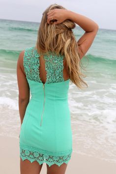 Jessie's Notes: I like the fit and details of this little dress. Bellaire Mint Lace Detail Bodycon Cocktail Dress Source by dresses Prom Dresses 2016, Summer Dresses, Bodycon Cocktail Dress, Cocktail Dresses, Bodycon Dress, Casual Dresses, Short Dresses, Semi Dresses, Beautiful Outfits