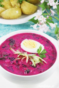 Chłodnik litewski. Lithuanian cold soup. Kefir, Thai Red Curry, Vegetables, Ethnic Recipes, Cold, Chowders, Kitchens, Cooking Recipes, Koken