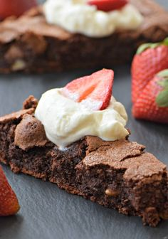 Gluten-free chocolate teff cake is so fudgy and delicious, you won't miss the wheat! Perfect for your Passover Seder. Flourless Desserts, Flourless Cake, Passover Desserts, Gluten Free Desserts, Passover Recipes, Jewish Recipes, Gluten Free Chocolate, Chocolate Recipes, Chocolate Cake