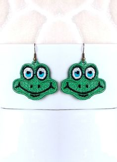 Frog earrings 1 design - 2 sizes - FSL - lace - Machine embroidery digitization./INSTANT DOWNLOAD