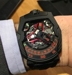 Urwerk UR-210 Black Platinum - wrist