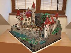 Lego Burg, Lego Boards, Amazing Lego Creations, Lego Castle, Lego Architecture, Lego Design, Lego Models, Lego House, Lego Projects