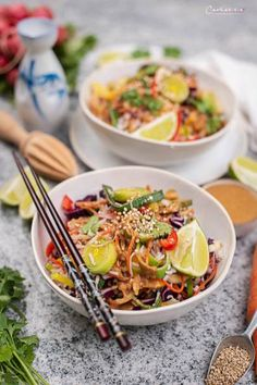 Veggie Sommer Pad Thai Reissalat, Sommersalat, Reissalat, Pad Thai Reissalat, veggie reissalat, Thai Salat, vegetarischer Reissalat, vegetarischer Thai Reissalat, Reissalat rezepte, veggie reissalat rezepte, thai reissalat rezepte, cookingCatrin rezepte, veggie, Thai rezepte, ricesalad recipe, thai ricesalad recipe, veggie ricesalad, thai salad, vegetarische rezepte, veggie recipe, reissalat vegetarisch, thai rezepte vegetarisch, vegetarische salate, vegetarian recipes, vegetarian dishes Pasta, Ethnic Recipes, Food, Salad Ideas, Credenzas, Noodle, English, Easy Meals, Cooking