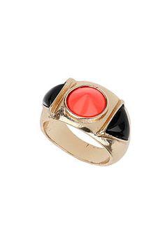 Pyramid Band Ring
