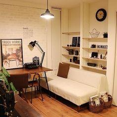 마치 정글같이 식물 인테리어 꾸미기 - HOME 매거진 Loft, Furniture, Home Decor, Decoration Home, Room Decor, Lofts, Home Furnishings, Home Interior Design, Attic Rooms
