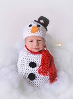 This adorable snowman is perfect for your little winter babys photos This set includes one decorated hat, one decorated adjustable sac and adjustable scarf. Colors can be adjusted to your preference. If you dont see a color you like in my color chart, I have many more to choose from. Rush order is available if you need it sooner than my normal timeframe. https://www.etsy.com/listing/290694433/rush-order?ref=shop_home_active_9 Professional picture courtesy of ...