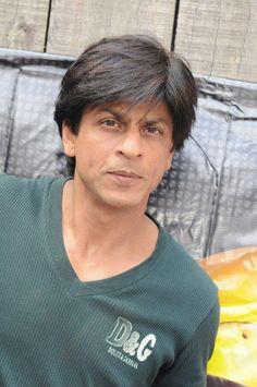 #SRK7Million @Olivia García García Gulino SRK pic.twitter.com/buVk0lakXe