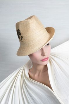 6f3d3943f8b Galleries of haute couture and ready to wear hat collections and handbags.