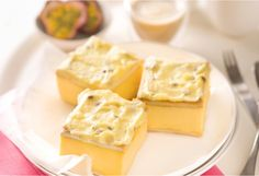 A sweet and creamy slice of vanilla custard dessert. Pairs perfectly with afternoon tea.