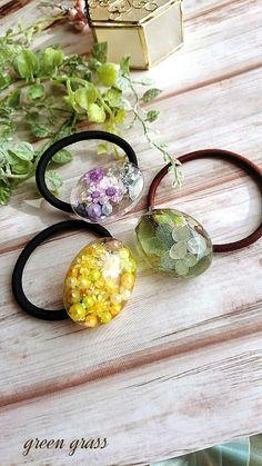 ハンドメイドマーケット+minne(ミンネ)|+お花とパールのヘアゴム+パープル+レジン