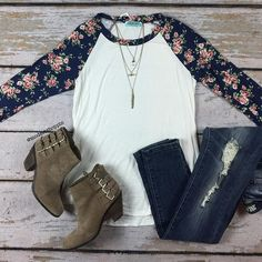 Absolutely adore this floral baseball tee, paired perfectly with distressed jeans & booties!