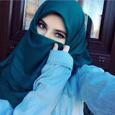 abaya hijab niqab girls @abayahijabniqabgirls on Instagram photo January 5 Beautiful Hijab Girl, Beautiful Muslim Women, Beautiful Eyes, Beautiful Images, Arab Girls Hijab, Muslim Girls, Hijabi Girl, Girl Hijab, Arabian Beauty Women