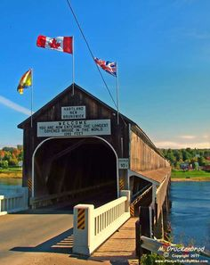 Worlds longest Covered Bridge - Hartland, New Brunswick, Canada I remember this xo O Canada, Canada Travel, Canada Trip, Quebec Montreal, Provence, New Brunswick Canada, Voyager Loin, Atlantic Canada, Roadside Attractions