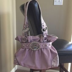 Kathy Vanzeeland Purse Purse is in brand new condition! Perfect color for spring! Kathy Vanzeeland Bags