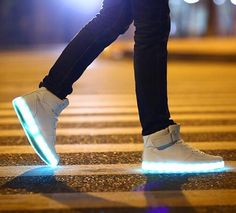 Fashion White High Top Unisex Light LED Shoes