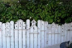 3 Pleasing Cool Tips: Backyard Fence Styles Backyard Fence Styles.Fence Ideas To Keep Dogs Out Front Yard Fence Landscaping.Wooden Fence With Lattice On Top. Backyard Fences, Garden Fencing, Garden Art, Fence Landscaping, Backyard Plants, Backyard Privacy, Diy Garden, House Plants, Outdoor Projects
