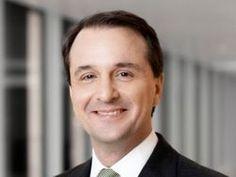 Twitter: Der Bertelsmann-Personalchef haut heute selbst in die Tasten.