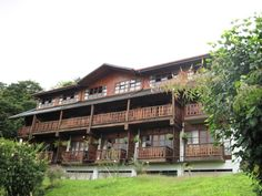 The Hotel Belmar consists of two buildings; the older Chalet, built in 1984, and the newer main building. Both have impressive views and luxurious rooms. #costarica   monteverdetours.com