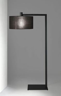 Floor lamp with structure in chrome, burnished metal, brass, or painted metal. Floor lamp with Deck Lighting, Home Lighting, Modern Lighting, Lighting Design, Lighting Ideas, Black Floor Lamp, Modern Floor Lamps, Family Room Lighting, Unique Lamps