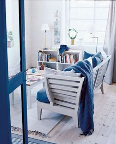 For the sea lovers - blue and white living room - Norrgavel Blue And White Living Room, White Rooms, Scandinavian Interior Design, Scandinavian Home, Classic Interior, White Decor, Furniture Design, Lakeside Cottage, Living Rooms