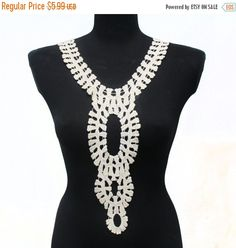 SALE Day Retro Vintage Off-White Crochet Necklace Collar for garment, gift or embellish accessories.