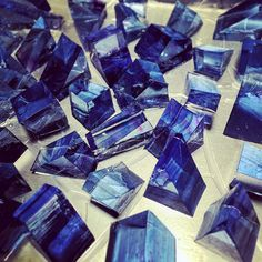 Dark blue Japanese jello-jewels