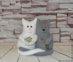 Коты-неразлучники своими руками! Я хочу вам показать и рассказать, как пошить интерьерных котиков-неразлучников. Такая игрушка станет прекрасным подарком на свадьбу, на годовщину свадьбы или как признание любви своей половинке.